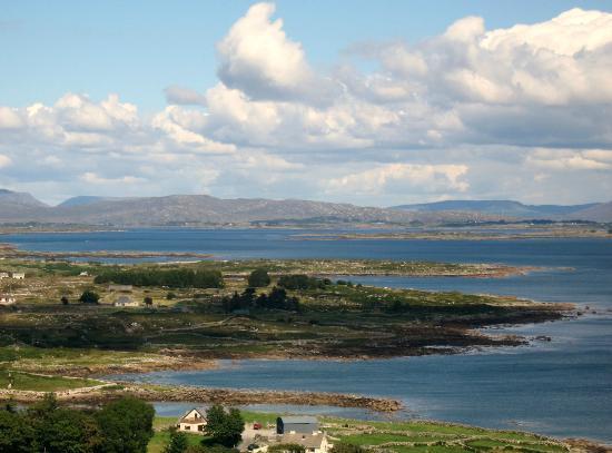 Tigh Chadhain ag eagrú Codail Taobh Amuigh - Galway Daily