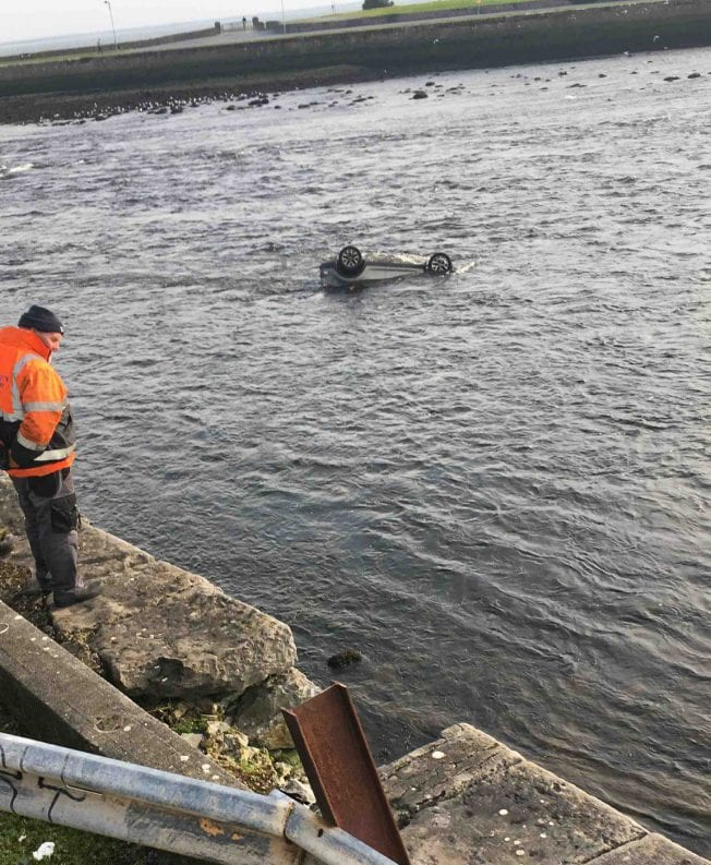 Galway News - Astonishing photos of car in the Corrib