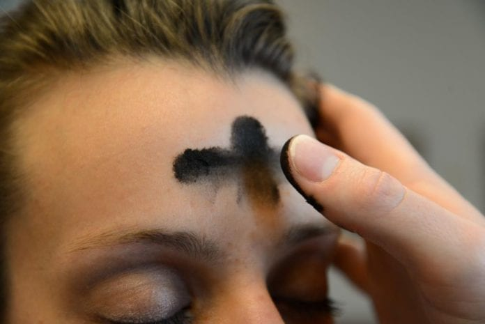 Galway Daily news record numbers come to drive thru ash wednesday in Glenamaddy