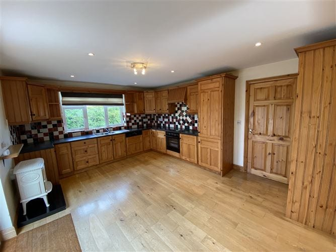 Four bedroom house in perfect condition in Salthill