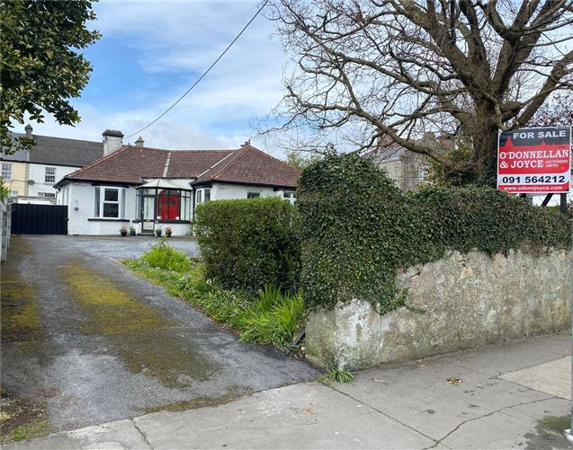 Galway daily property Spacious period style house in the heart of Salthill Village
