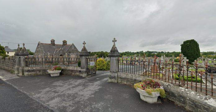 Gardaí attend scene of cemetery brawl in Tuam